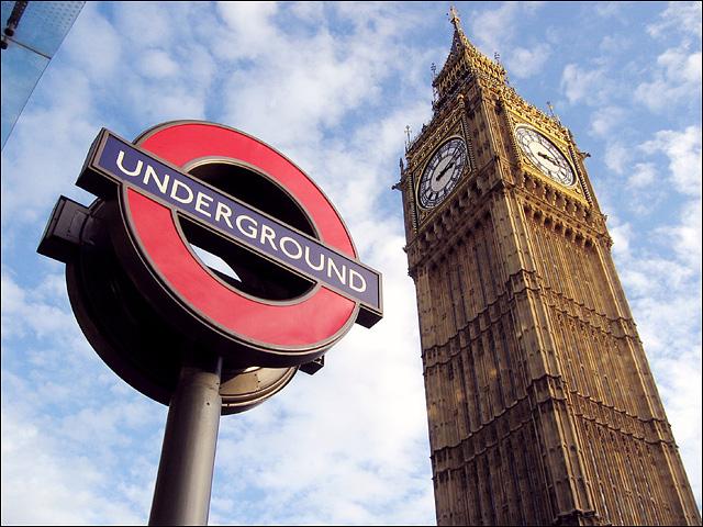 Sinal de metrô em Londres