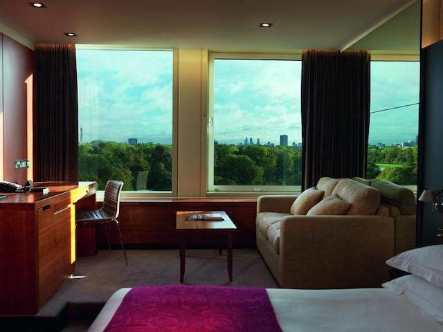 Quarto do Hotel Royal Garden em Londres