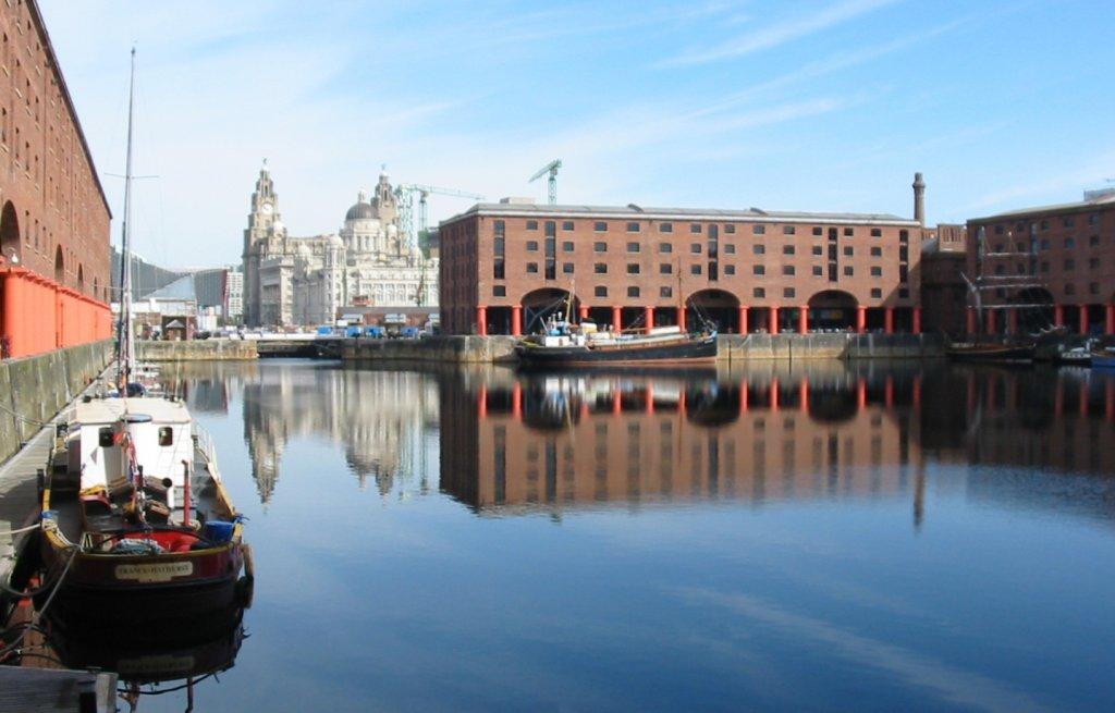 Região Albert Docks em Liverpool