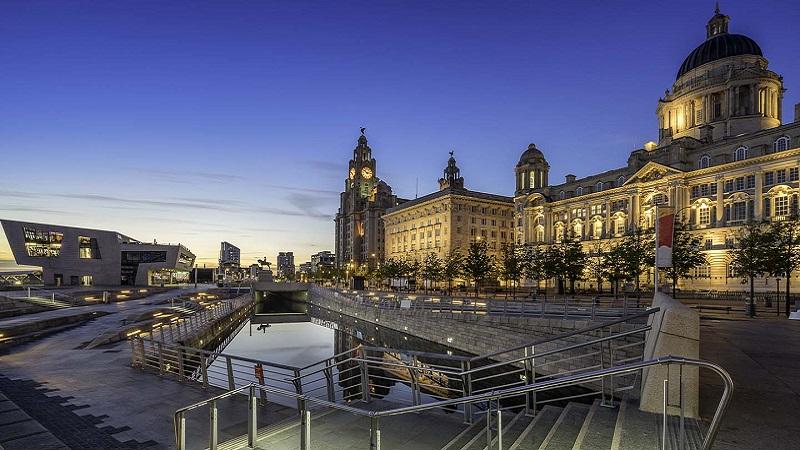 Noite em Liverpool