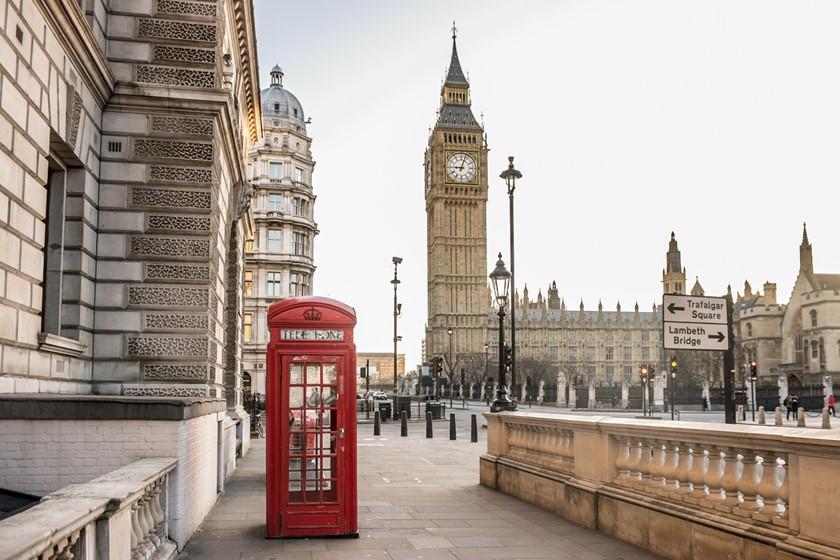 Cenário de Londres: telefone e Big Ben