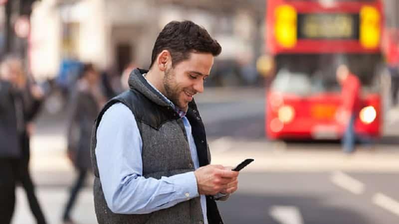 Uso de celular em Londres