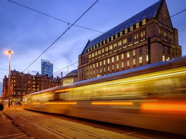Viagem de trem de Cambridge a Londres