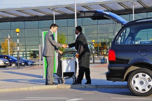 Transfer na saída do aeroporto